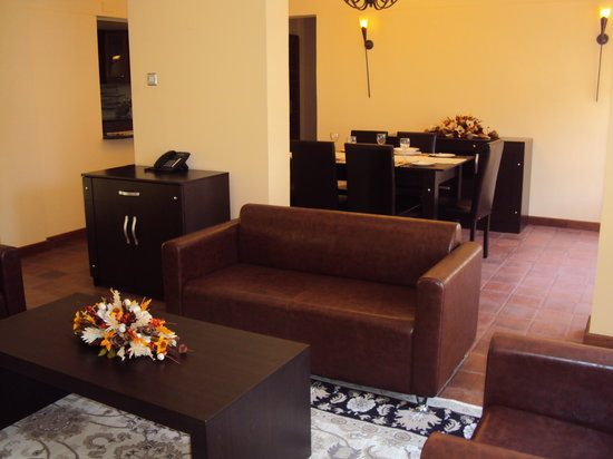 Batian's Peak Serviced Apartments