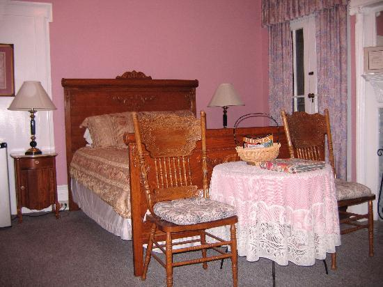 Bullis House Inn: One of the rooms