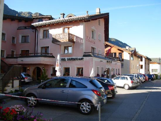 sils im domleschg divorced singles personals A spectacular trail leads from domleschg through the schinschlucht gorge the climb to the hamlet of muldain is rewarded with spectacular views the solis viaduct and st peters church in.