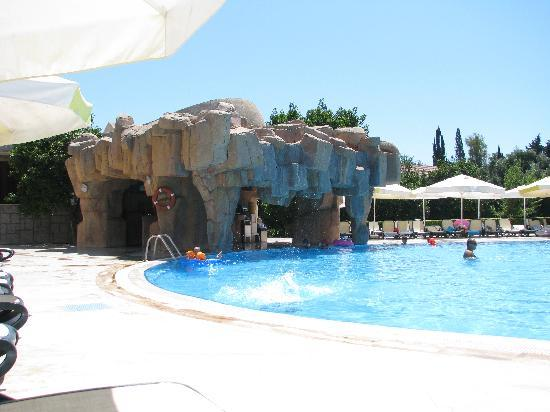 Horus Paradise Luxury Resort: Pool Bar