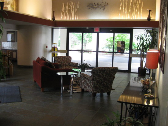 Country Hearth Inn: Hotel Lobby