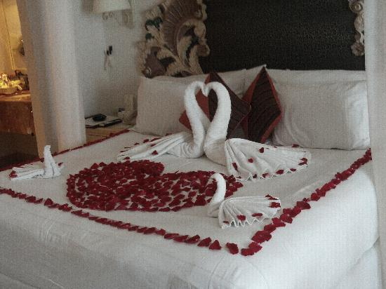 Spa Our Bed Decorated For Honeymoon Bed Decoration Honeymoon Bed Decoration More Information Decoration Bed