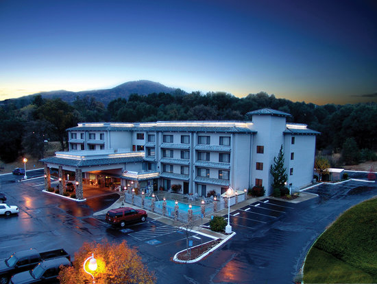 Photo of Yosemite Southgate Hotel & Suites Oakhurst
