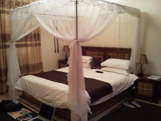 The Lodge: Excellent double room with self contained batthroom