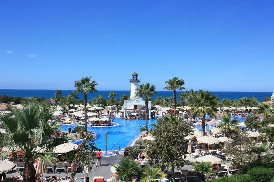 Atardecer en la piscina picture of clubhotel riu for Piscinas chiclana
