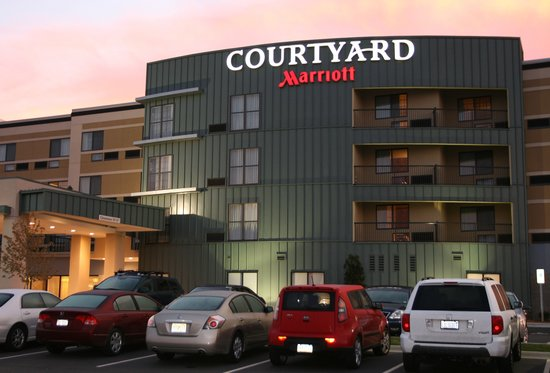 ‪Courtyard by Marriott Statesville‬