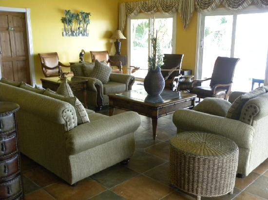 Anise Resort and Spa: Lounge area