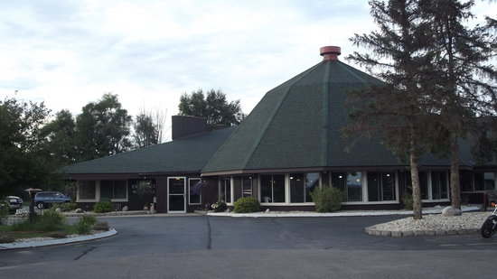 ‪Round Barn Lodge‬