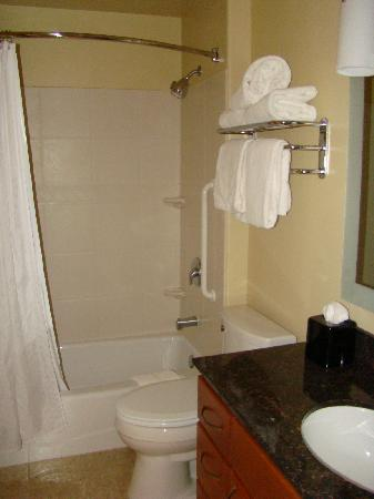TownePlace Suites St. George - 1 King Bed Suite - bathroom