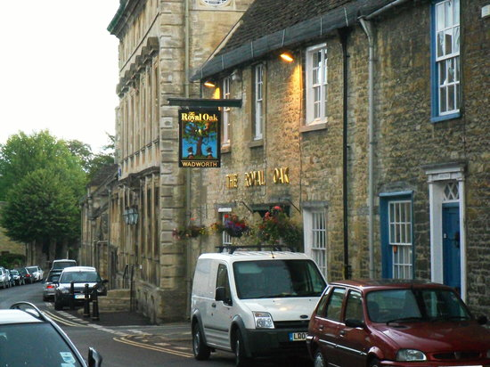 Burford, UK: Quintessential English pub