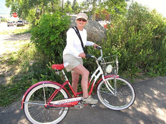 The Ruby of Crested Butte - A Luxury B&B: Loved the town bike!