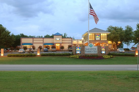 BEST WESTERN PLUS Lafayette Garden Inn & Conference Center: Front entrance