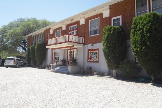 "The ""School House Inn Bed & Breakfast"" has private parking"