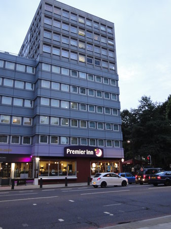 Premier Inn London Euston: Exterior
