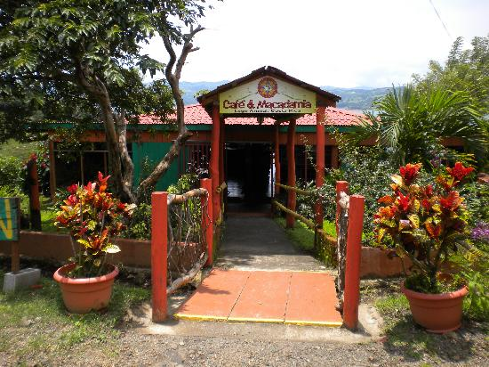 Province of Guanacaste, Kosta Rika: entryway to cafe macadamia