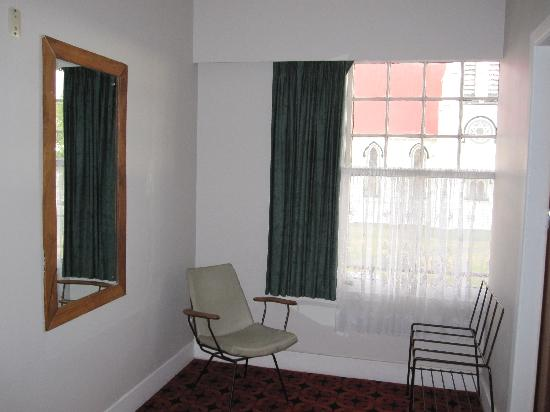 The Junction Hotel: Double bedroom