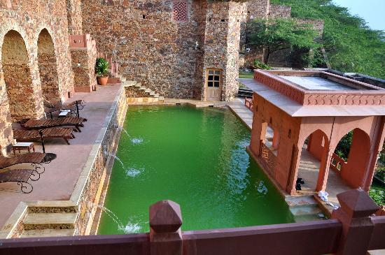 Pictures of Neemrana Fort-Palace, Alwar