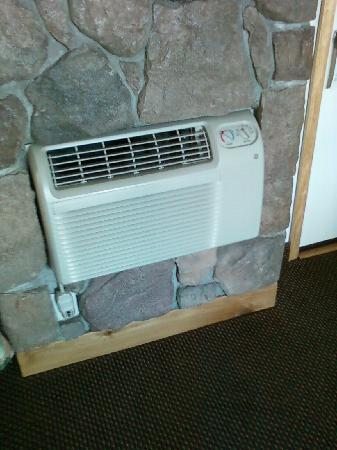 Nordic Lodge of Steamboat Springs: A/C unit