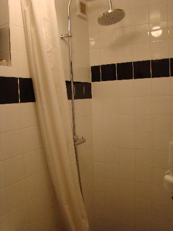 Annette's B&B: Room Laurean - Bathroom