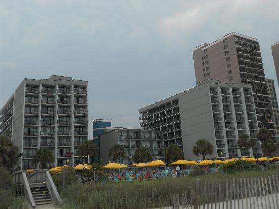 Dayton House Resort: Beach Front Buildings
