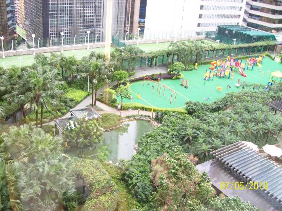 Garden on 11th Floor - Picture of Renaissance Harbour View Hotel Hong Kong, Hong Kong