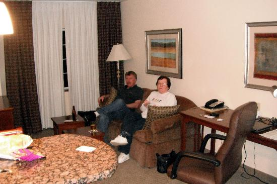 Living room with bar and computer desk - Picture of Staybridge Suites ...