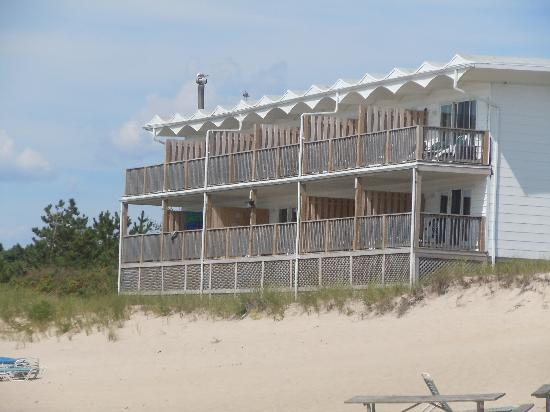 Wavecrest Oceanfront Resort: Beach Dune Units