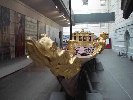 Royal Barge at the National Maritime Museum, Greenwich - Picture of National ...