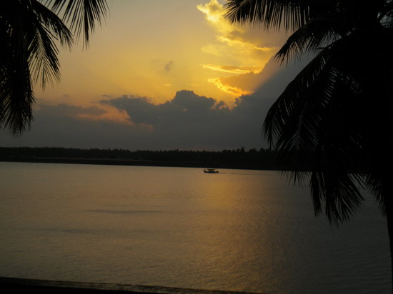 Secunderabad, Inde : Sunset from the resort