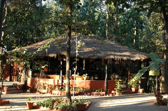 Kanha Jungle Lodge: Thatched Dining
