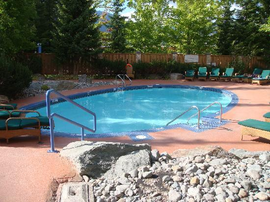 Club Intrawest - Whistler: Heated Pool