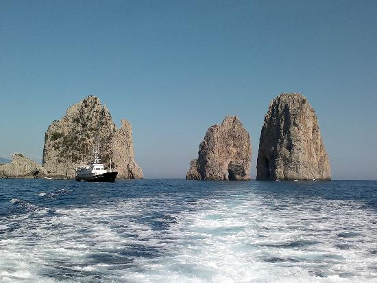 Tour de l 39 le picture of isle of capri and ana capri for Isle of capri tours