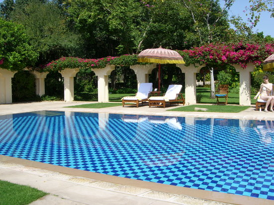The Oberoi Vanyavilas: Swimming Pool Area
