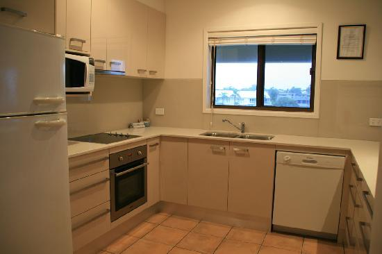 Culgoa Point Beach Resort: Kitchen