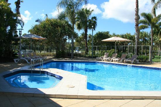 Culgoa Point Beach Resort: Swimming pool area