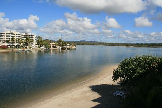 Culgoa Point Beach Resort: River view / beachfront view