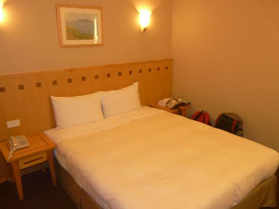 Our room picture of east dragon hotel taipei tripadvisor for Design ximen hotel review