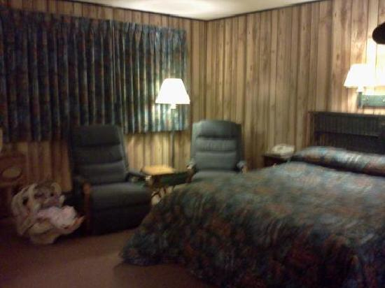 Sleepy Time Motel: Cozy Chairs