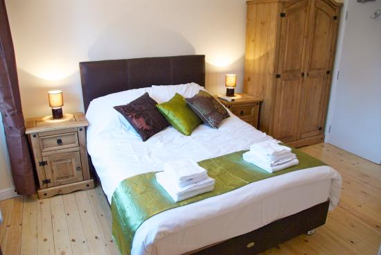 Tideswell United Kingdom  city photo : The George Hotel Tideswell Derbyshire Lodge Reviews and Rates ...