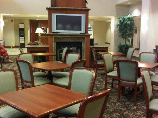 Hampton Inn &amp; Suites Burlington: Seating area