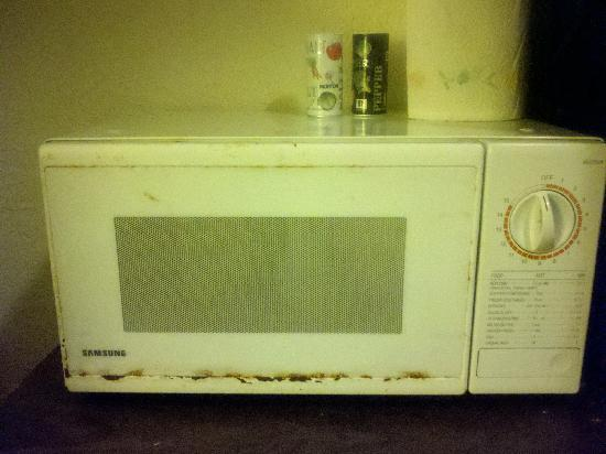 how to clean a nasty microwave