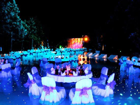 Leonia Holistic Destination: Have Dream Dinner inside water with colorful lights
