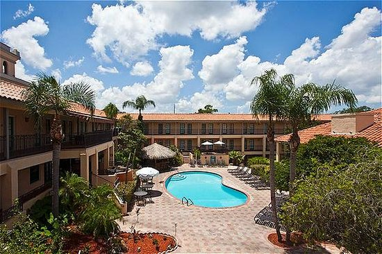 Holiday Inn &amp; Suites near Busch Gardens - USF: Relax in our beautifully landscaped courtyard