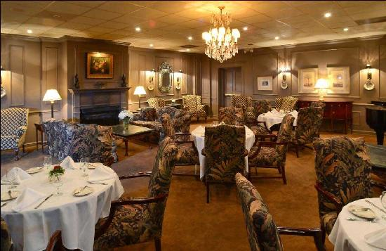 The Phoenix, Greenville's Inn: Lobby Lounge