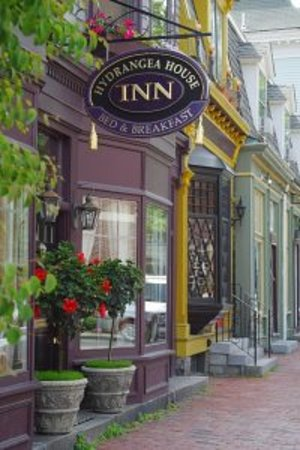 Hydrangea House Inn: The best location at the center of historic Newport where you can walk to everything!
