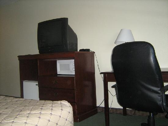 Sunrise Hotel San Pedro: outdated furniture