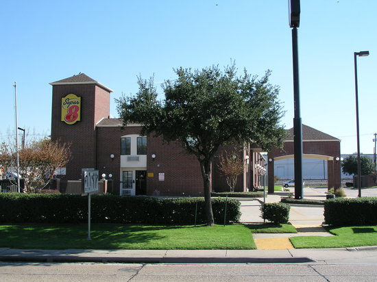 Super 8 Farmers Branch / North Dallas