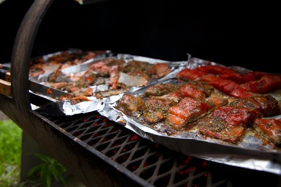 Rod 'N Real Kenai Riverfront Cabins: Fresh Grilled Salmon. Yummmmm