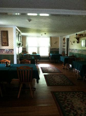 Hill Farm Inn: Breakfast room