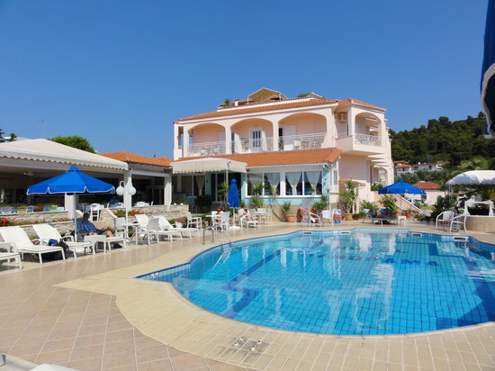 Panorama hotel skiathos koukounaries hotel reviews for Hotel panorama hotel
